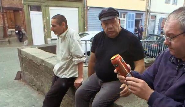 pour-l-emission-rue-des-allocs-la-pauvrete-rime-parfois-avec-alcool_5654833